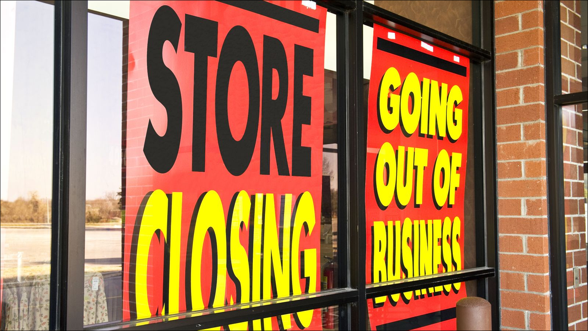 going out of business signs on storefront