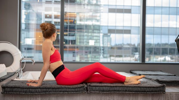 6 Stretches Everyone Should End Their Day With