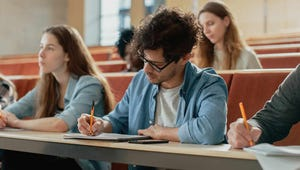 Why You Should Still Handwrite Your Class Notes