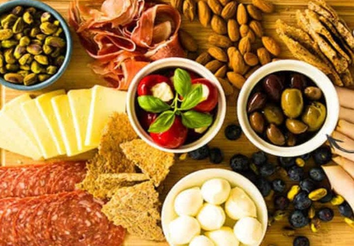 A low-carb and Gluten-free charcuterie board.