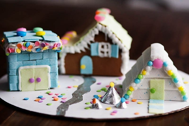 gum siding on gingerbread home