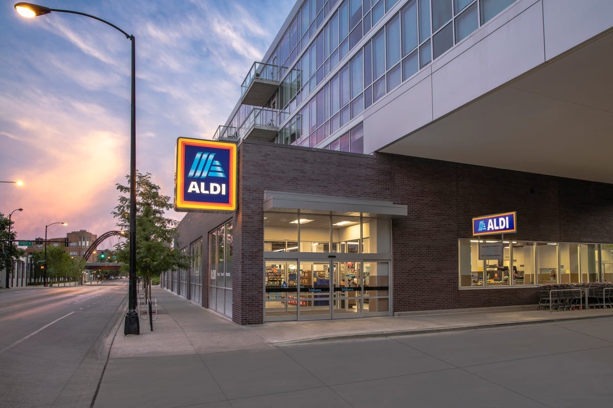The exterior of an ALDI store with curbside pickup.