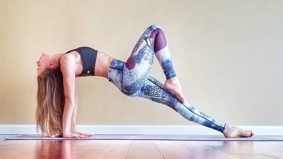 woman doing upward plank