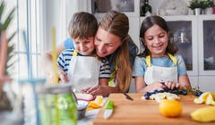 Here's How (and Why) to Schedule Your Child's Snack Time
