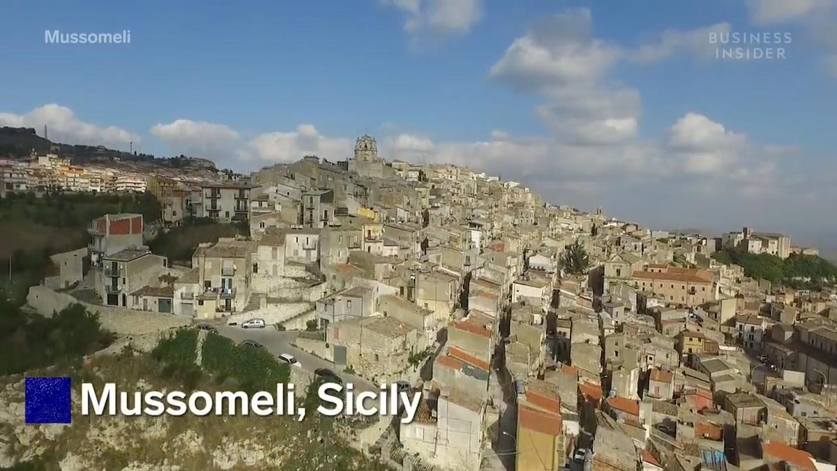 A photo of Mussomeli, Sicily, a city participating in the dollar home project.