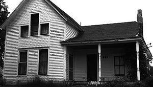You Can Sleep in an Axe Murder House for Halloween