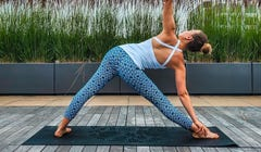 5 Power Yoga Moves to Warm You Up in the Morning