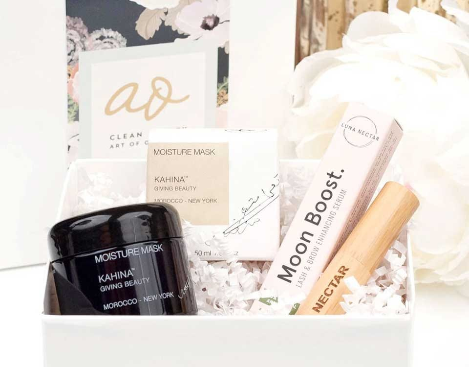 Examples of the makeup and products in the Clean Beauty Box.