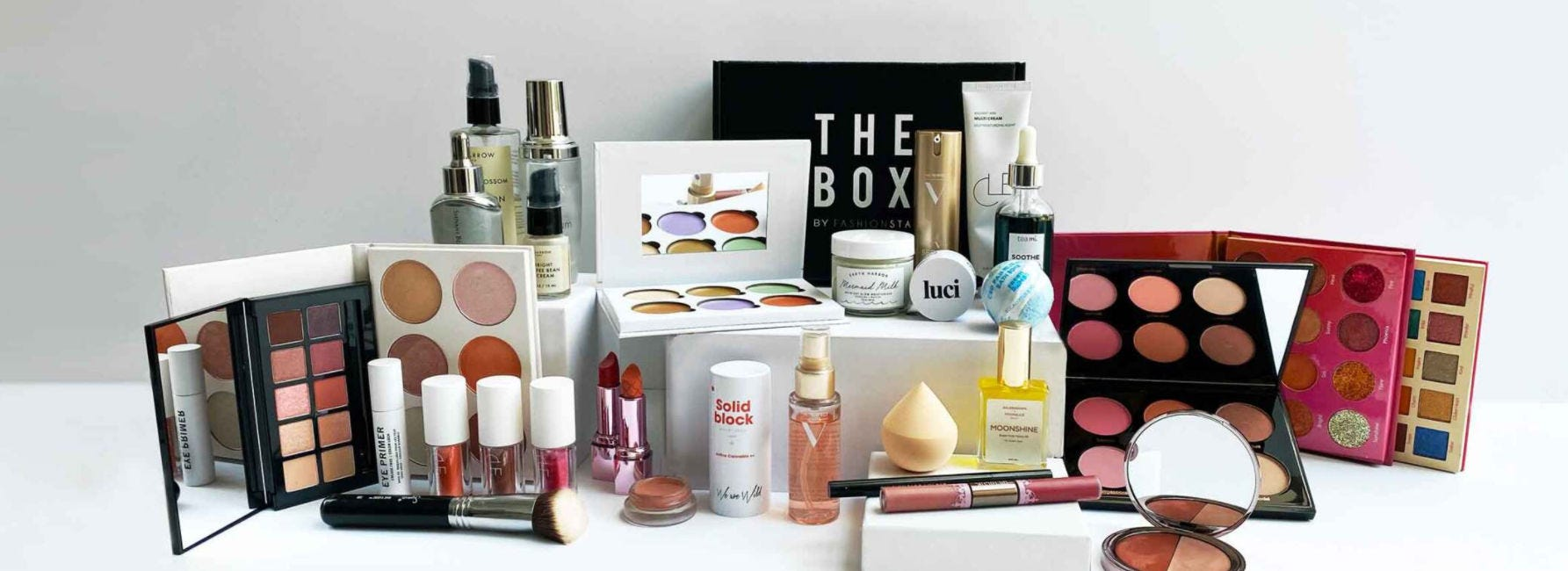 A variety of items included in monthly Fashionsta boxes.