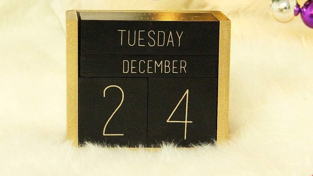 Perpetual calendar on a fluffy rug.