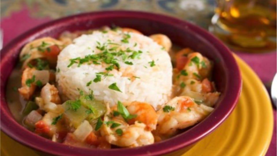 A bowl full of shrimp étoufée.