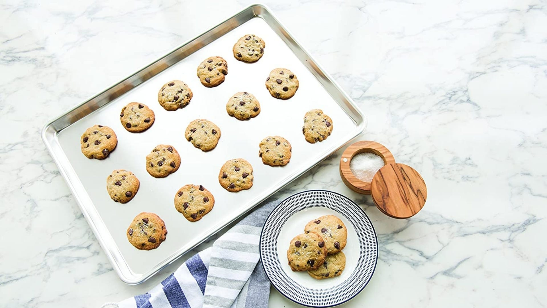 Cookie sheet with cookies on top