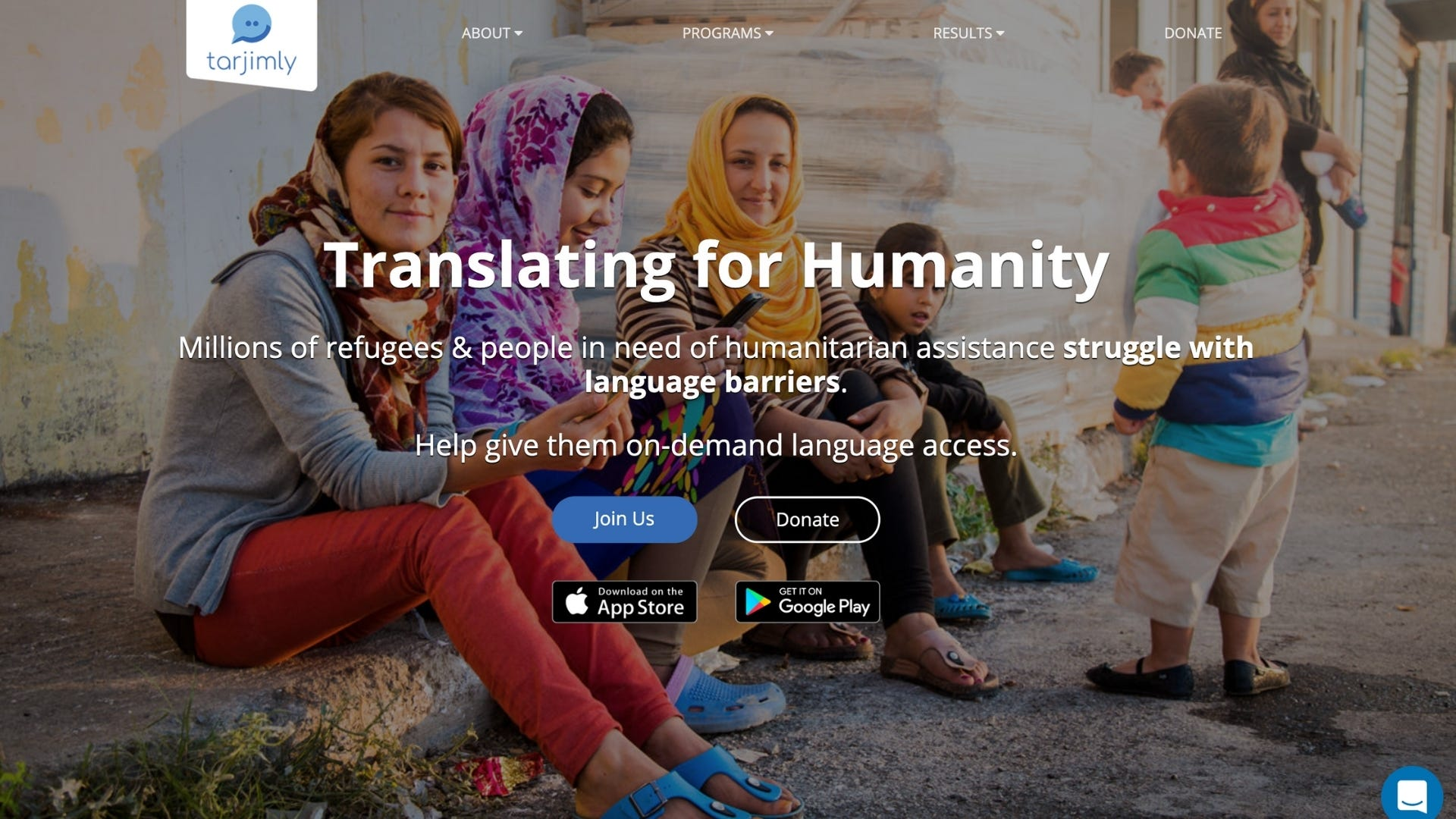 Homepage of the Tarjimly website with a female refugee smiling at the camera.