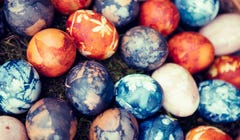 7 Natural Ways to Dye and Decorate Your Easter Eggs