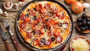 The Best Pizza Pans for Homes and Commercial Kitchens