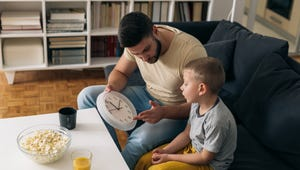 The Best Teaching Clocks for Classrooms
