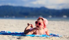 10 Must-Have Items for Taking Your Baby to the Beach