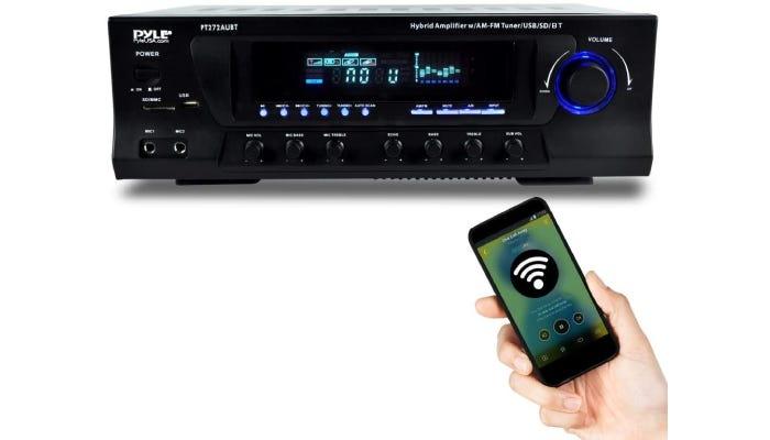classic black stereo receiver controleld via smartphone