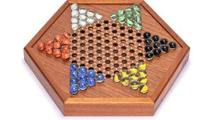 The Best Chinese Checkers to Add to Your Game Night Line-Up