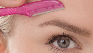Keep Your Eyebrows Trimmed with These Razors