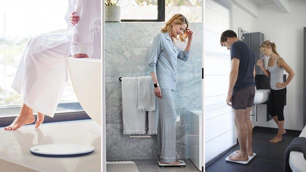 Fotók különféle intelligens mérlegekről, ahol férfiak és nők használják őket.