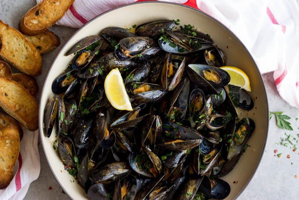 steamed mussels from littlebroken.com