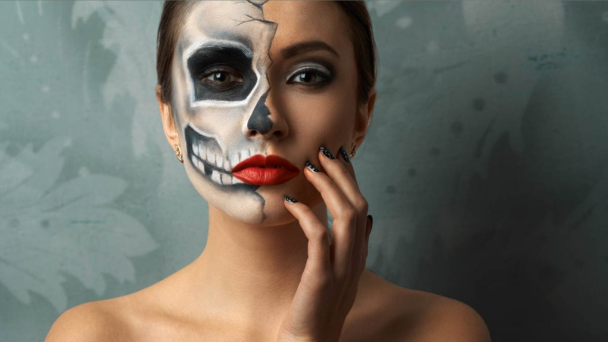 woman wearing skeleton makeup