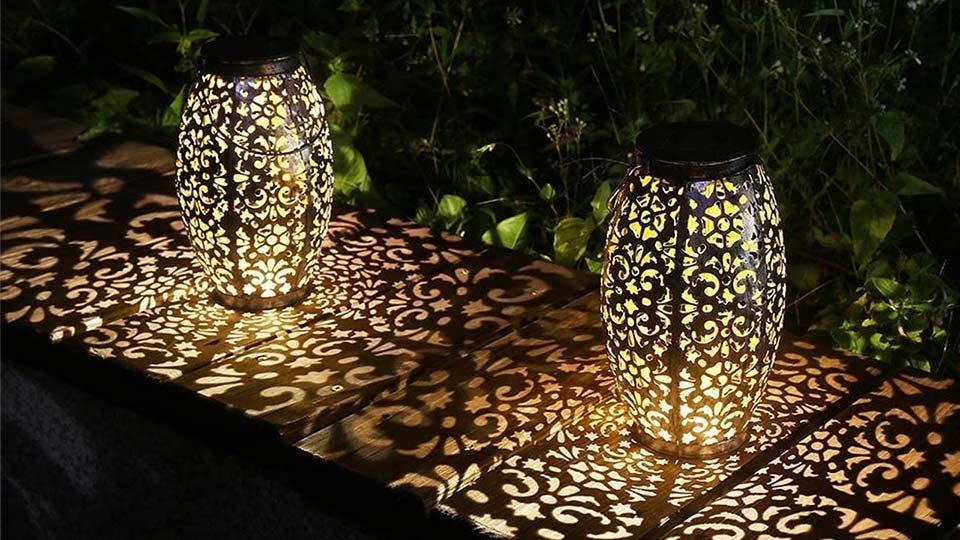 Two Kaixoxin Solar Lantern Lights.