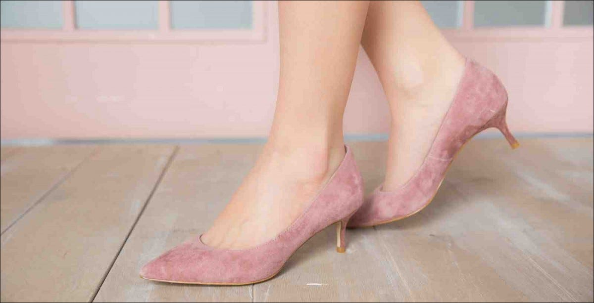 women's low-heeled shoes