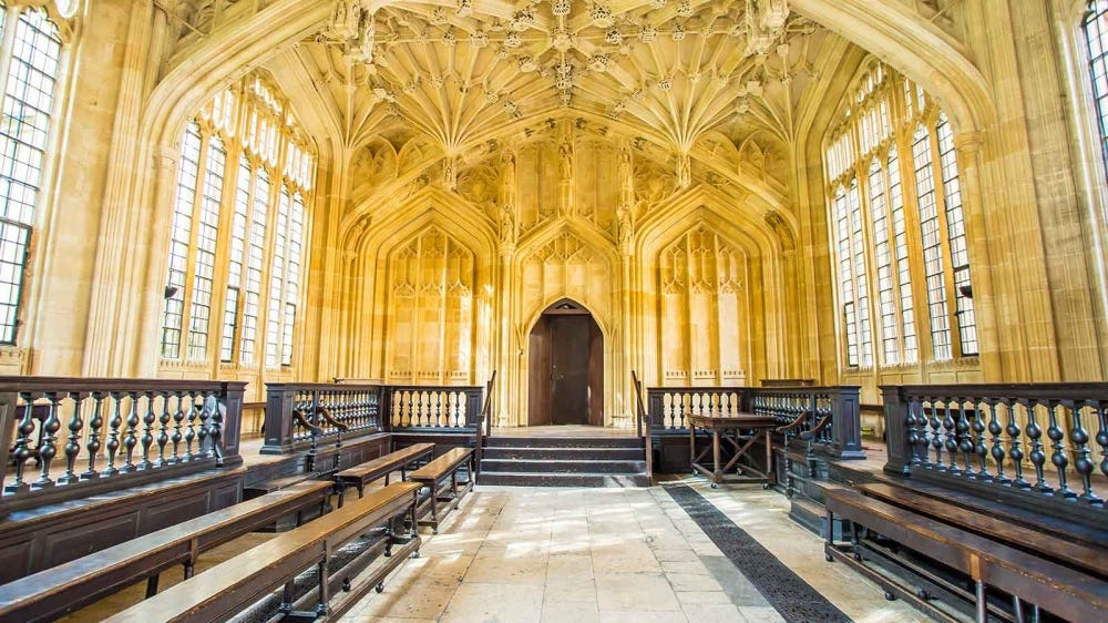 Picture of the foyer of the Bodleian Library in Oxford.