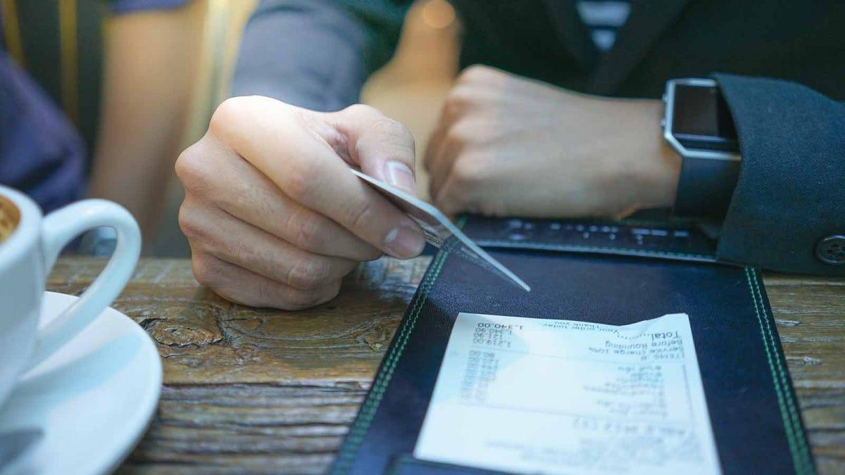 So berechnen Sie den Tipp ohne Ihr Smartphone