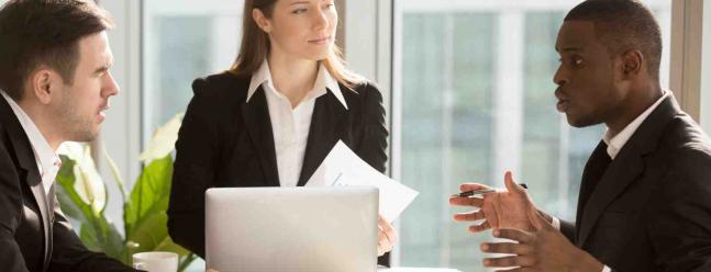Dress Code Guide: Was bedeutet Business Formal?