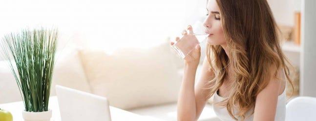 Wie viel Wasser muss ich wirklich trinken?